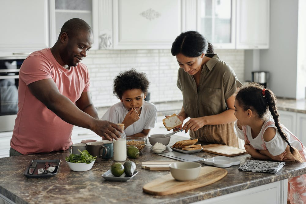 How to Involve Kids in the Cooking Process